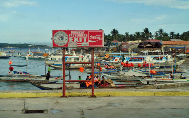 Caticlan Jetty Port by evason_mania via http://www.panoramio.com/photo/29178296