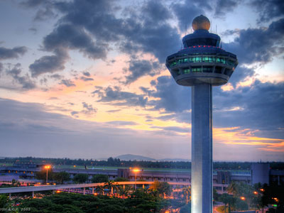 Singapore Changi Airport by Kelvin Lok via http://www.flickr.com/photos/kelvin255/4142549217/