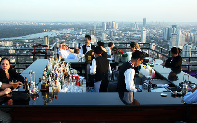 Rooftop Bar - Moon Bar at Vertigo by Travel Aficionado via https://flic.kr/p/68BCUx