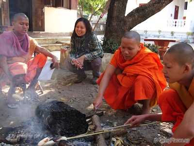 laos_with_monks