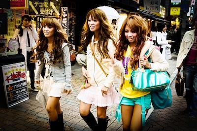 Shibuya Girls via http://www.flickr.com/photos/localjapantimes/4582491499/