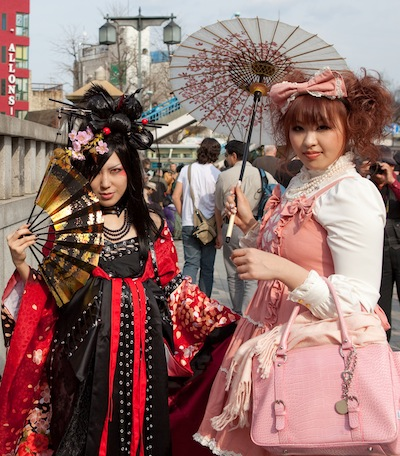 Harajuku Girls by Leiflet via https://www.flickr.com/photos/leiflet/3456643671/
