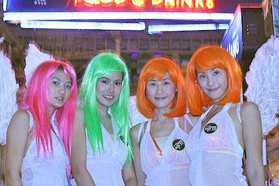 Khao San Club - Angel sells drinks by Chris via https://www.flickr.com/photos/63138333@N00/2003322886/