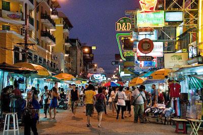 Night Market - Khao San Road by Robert Brands via https://www.flickr.com/photos/rbrands/4046104251/