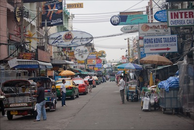 Khao San Road by Ludovic Hirlimann via https://www.flickr.com/photos/lhirlimann/3727405778/