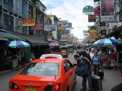 Taxi - Khao San Road by Erik Jaeger via https://www.flickr.com/photos/erikjaeger/194289742/
