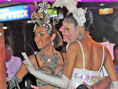 Sexy lady men, Phuket by Howard Stateman via https://www.flickr.com/photos/how3ird/3106124926/