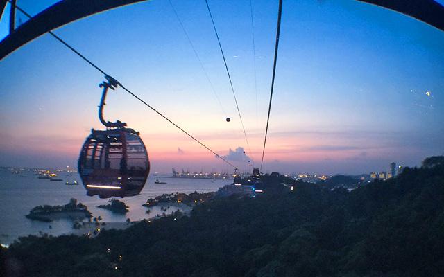 Sunset, Sentosa Island Cable Car, Singapore by MrT HK via https://flic.kr/p/BTUhSr