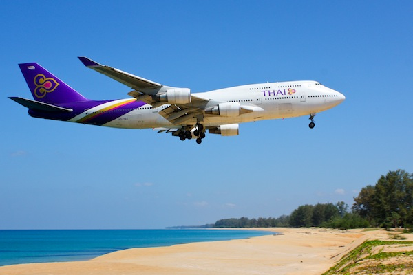 Thai Airways by Andy Mitchell via https://www.flickr.com/photos/monstermunch/4491667500/
