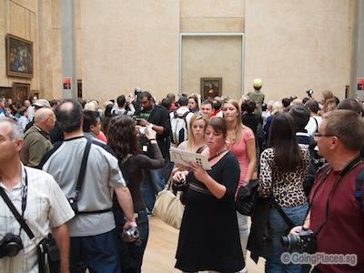 Crowd At Lourve Museum