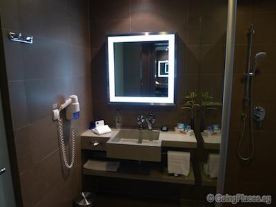 Novotel Bangkok Ploenchit Sukhumvit Bathroom