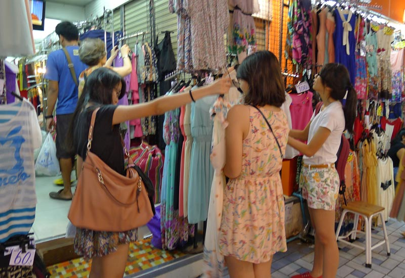 Shopping at Pratunam Market