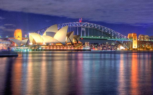 Sydney Opera House by Hai Linh Truong via https://flic.kr/p/4sBtFg
