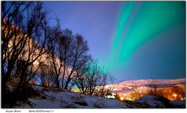 Northern Lights by Moyan Brenn via https://www.flickr.com/photos/aigle_dore/6826936668/