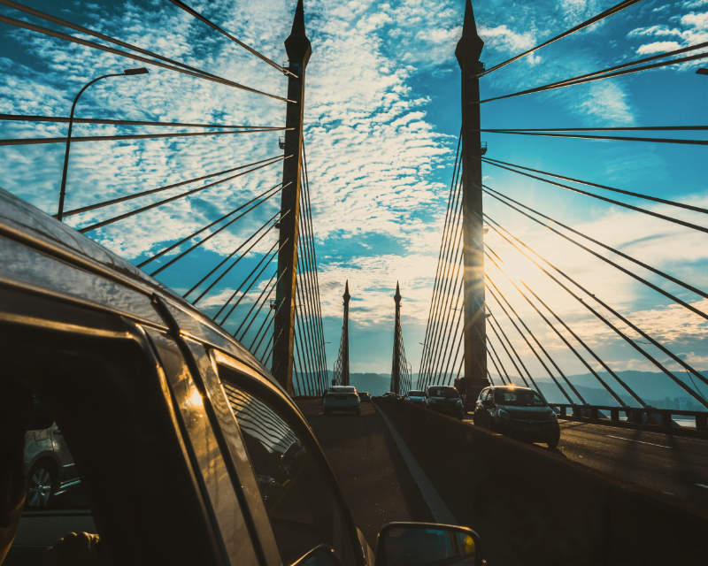 Penang Bridge by Aaron Lee on unsplash.com/photos/3bbtjIh50cU